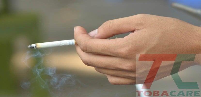 Hút thuốc vào buổi chiều