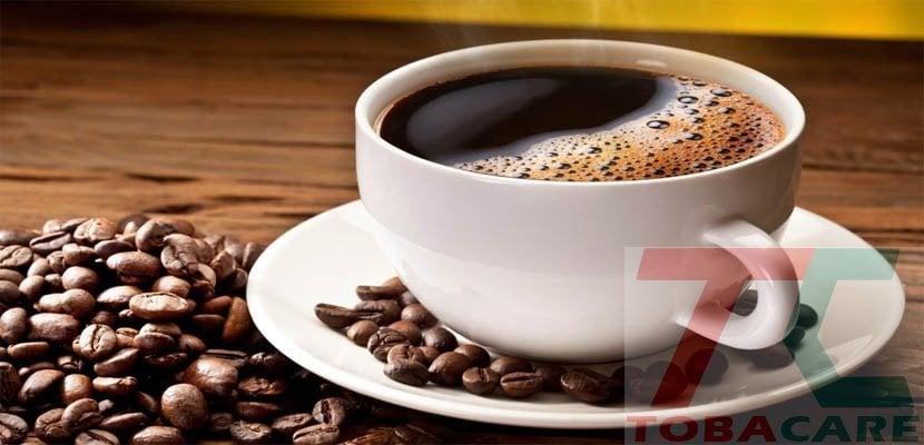 Không nên uống cà phê khi cai thuốc lá