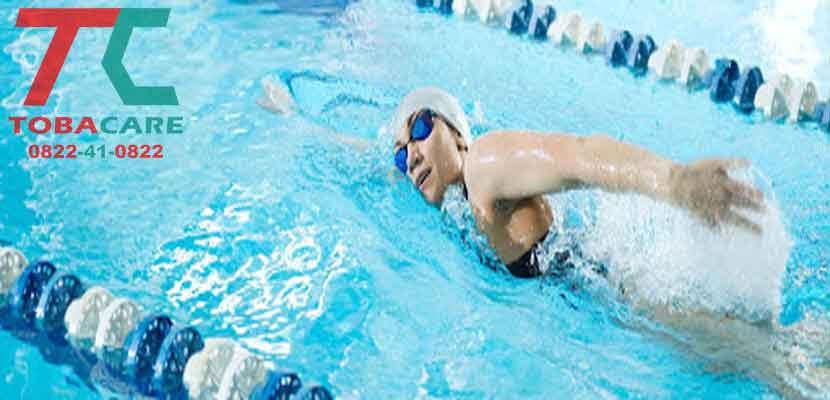 Bơi lội giúp cơ thể tránh được tác hại của thuốc lá đối với hệ hô hấp.