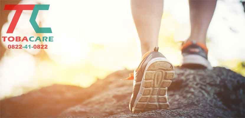 Đi bộ giúp giải toả căng thẳng khi cai thuốc lá hiệu quả nhanh chóng
