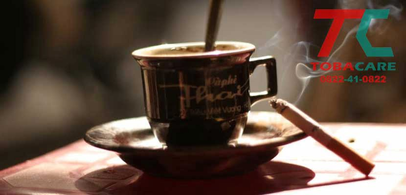 Cafein là những chất nên tránh để việc cai thuốc lá thành công.