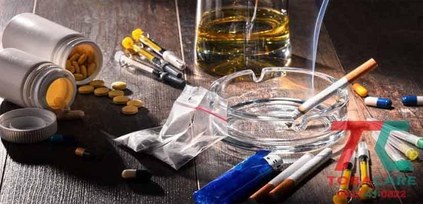 Nicotine là chất kích thích nên khi loại bỏ sẽ gây nên tác dụng phụ như căng thẳng, chóng mặt