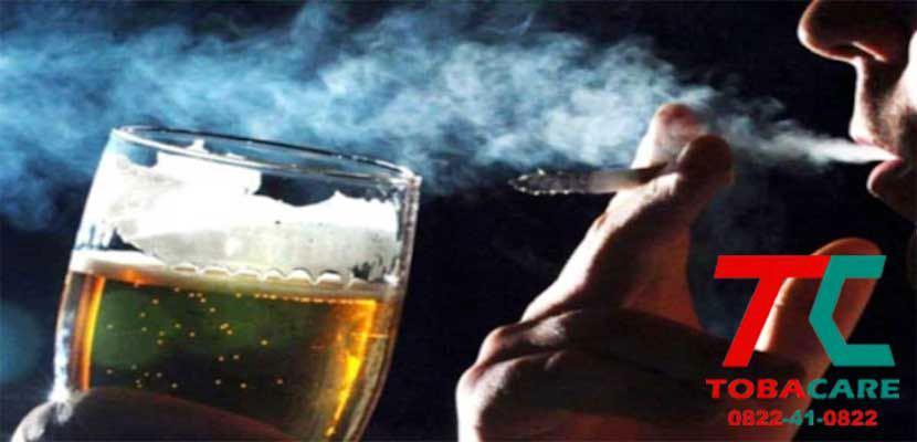 Rượu bia làm giảm khả năng cai thuốc lá