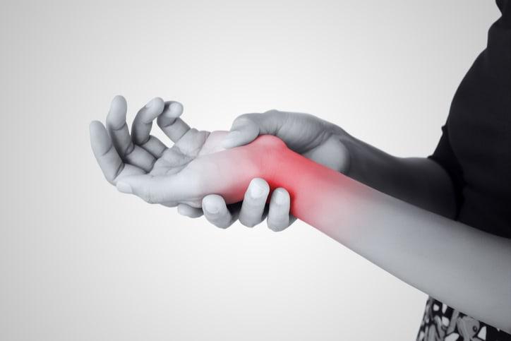 8 cách chữa hội chứng ống cổ tay đơn giản cho nhân viên văn phòng
