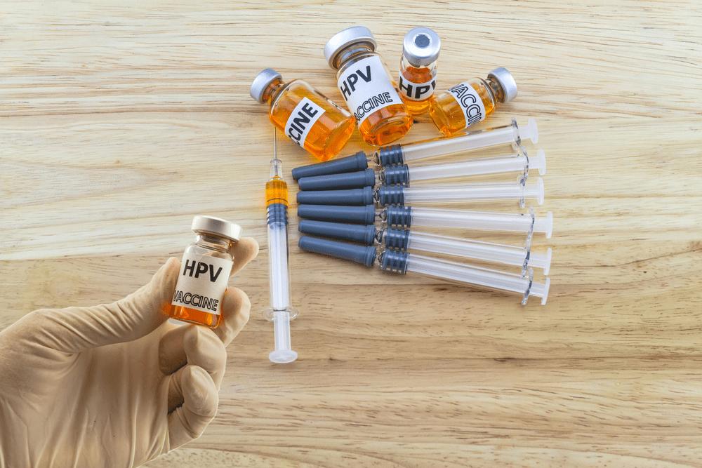 chích ngừa ung thư cổ tử cung bằng vaccine HPV