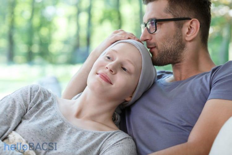 Người nhà nên thường xuyên trò chuyện với bệnh nhân ung thư