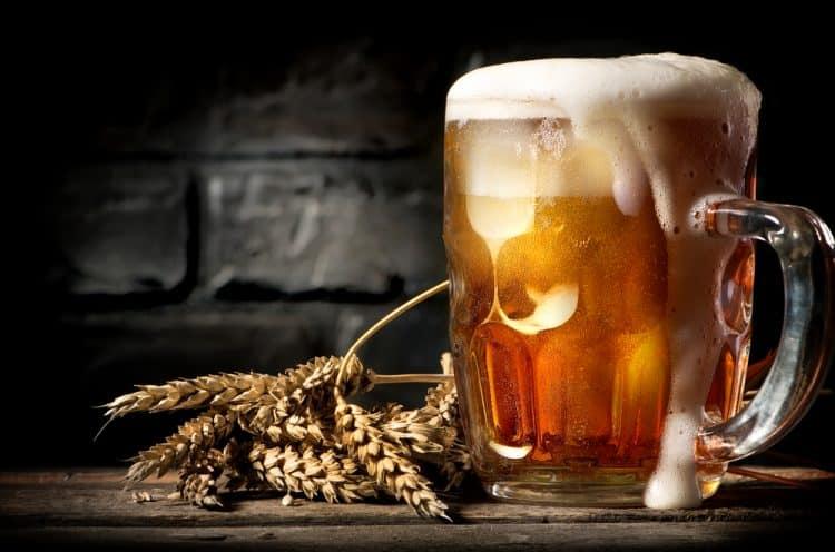 hạn chế rượu bia khi bị huyết áp thấp