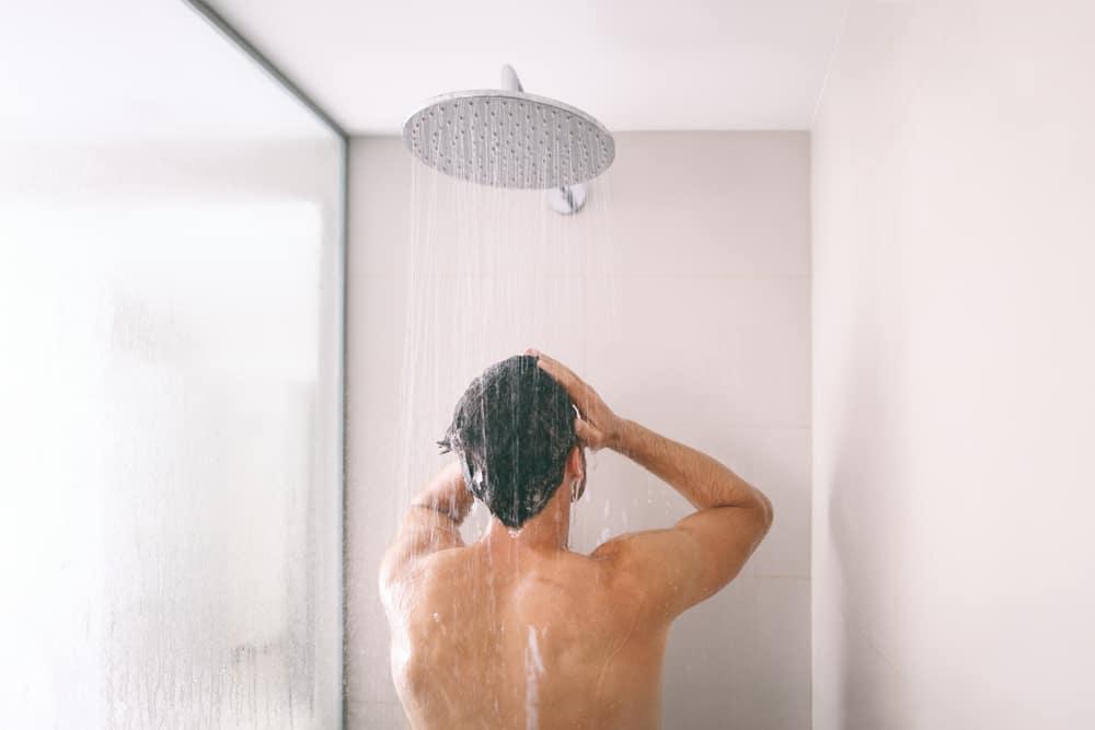 Tắm buổi sáng giúp nam giới tăng <a data-event-category=