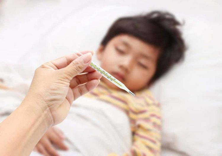sốt cao là triệu chứng viêm thanh thiệt