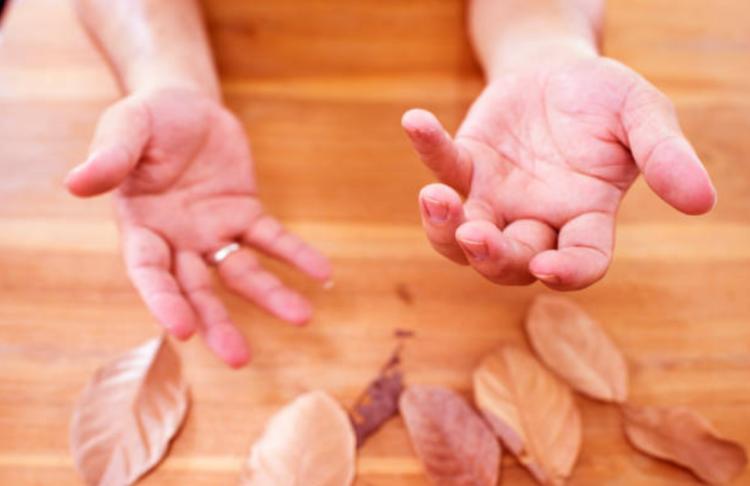 cách chữa run tay khi hồi hộp
