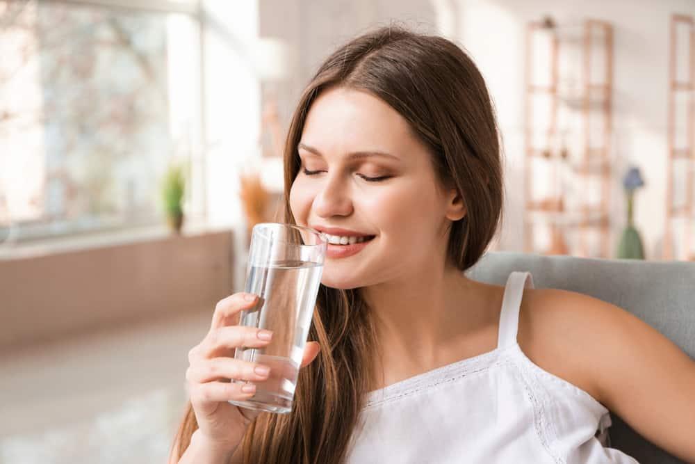 Uống nhiều nước là cách giải độc gan tốt nhất