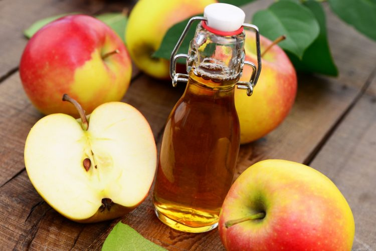 cách trị hôi nách tại nhà bằng giấm táo