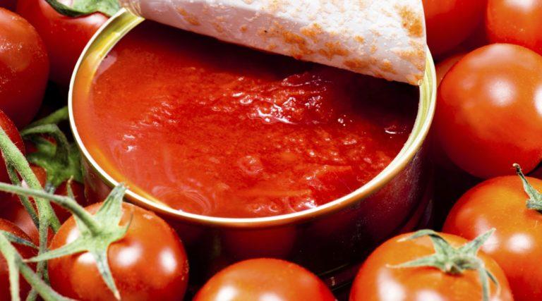 Cà chua đóng hộp