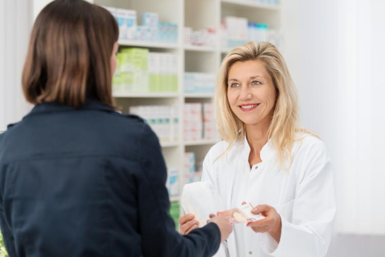 Bạn có thể mua thuốc mỡ sát trùng tại các hiệu thuốc