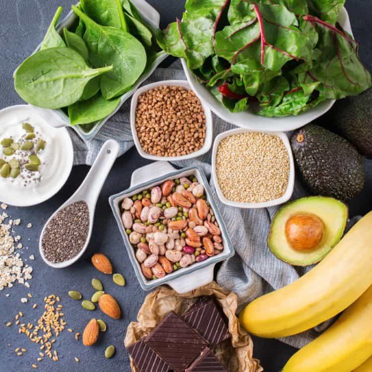 Bổ sung thực phẩm giàu magiê và vitamin B để hết mồ hôi tay
