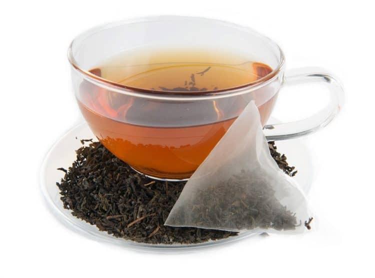 Cách chữa mồ hôi tay bằng trà đen