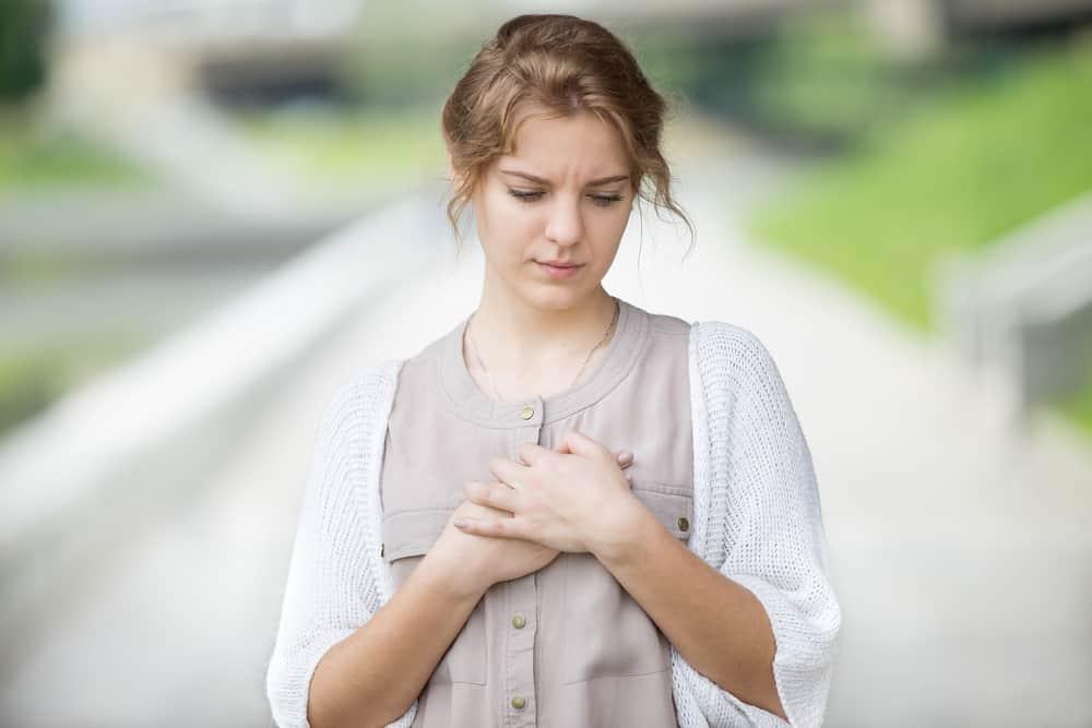 Co thắt phế quản: Nguyên nhân phổ biến gây căng tức ngực