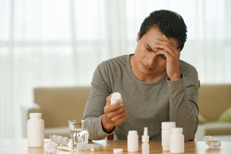 Lạm dụng thuốc giảm đau có thể khiến bạn bị đau nửa đầu bên phải