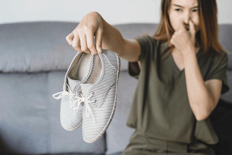 Mùi hôi chân: Nguyên nhân và cách chữa trị hiệu quả