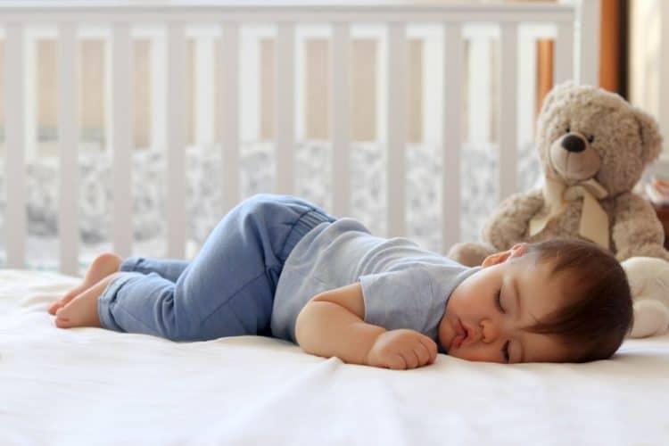Giấc ngủ sâu làm tăng hormone tăng trưởng