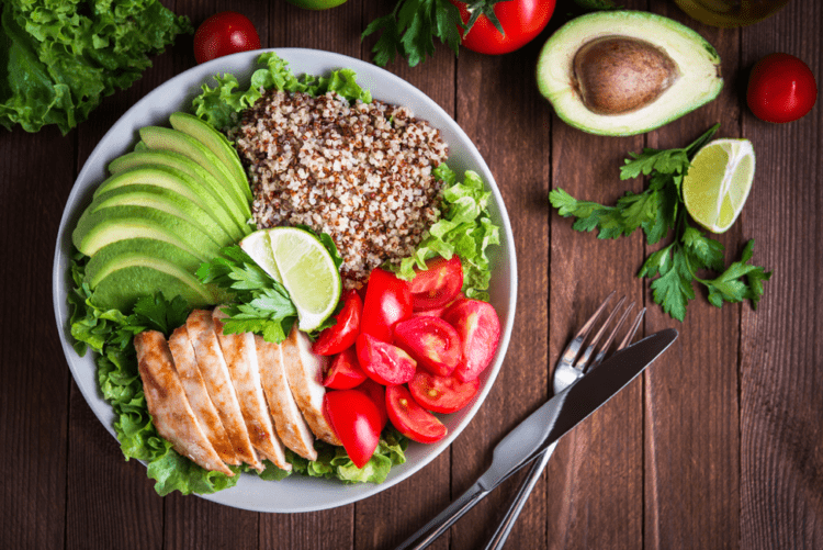 Chế độ ăn uống hợp lý giúp giảm lượng đường trong máu