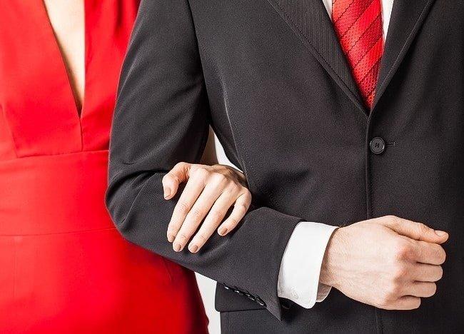 nắm tay người yêu