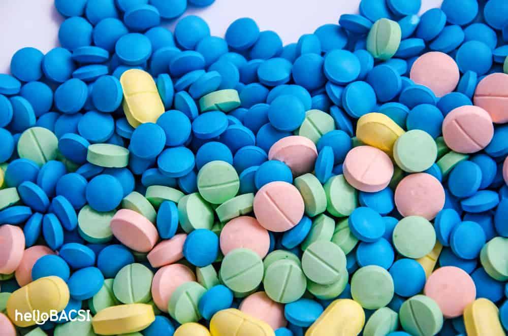 thuốc viên nhiều màu