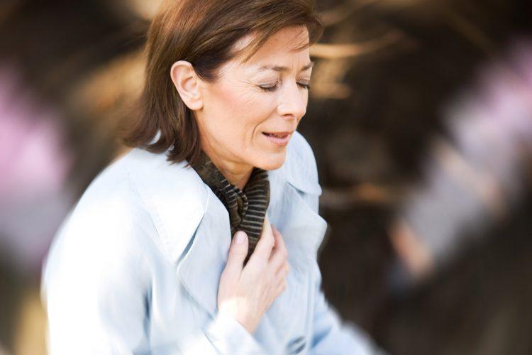 Một số bệnh lý tiềm ẩn khác gây đau ngực