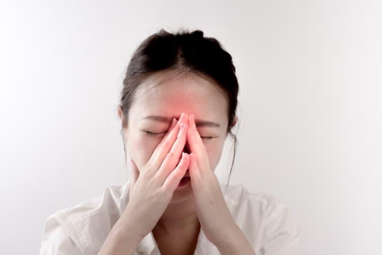 triệu chứng đau đầu do viêm xoang
