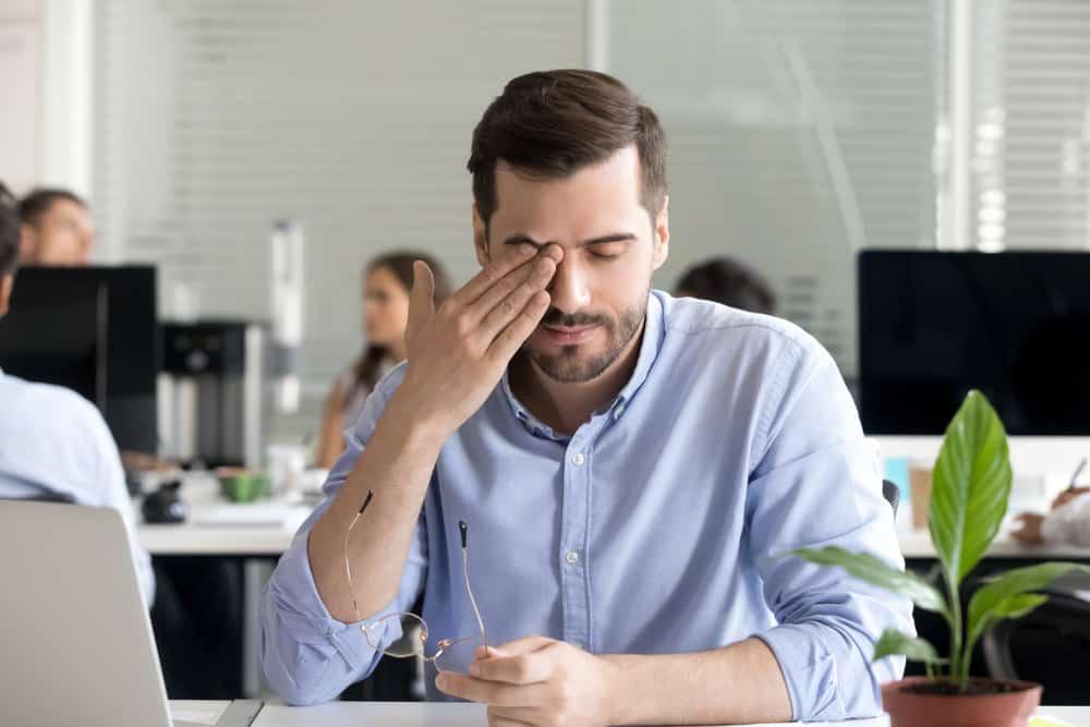 triệu chứng đau đầu mờ mắt
