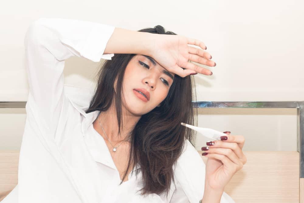 triệu chứng Sốt xuất huyết kèm suy thận do virut Hanta