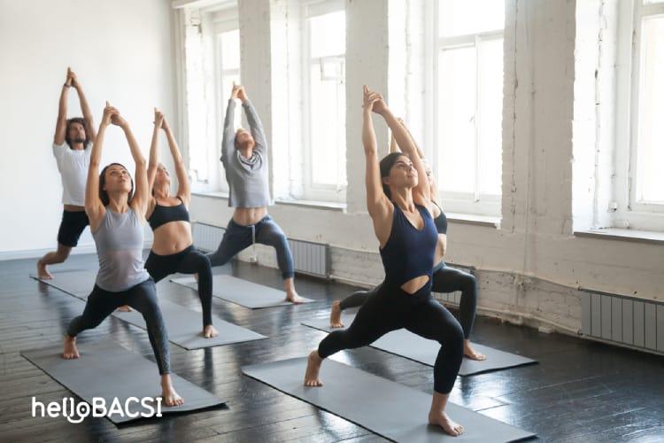 tập yoga, tư thế chiến binh 1