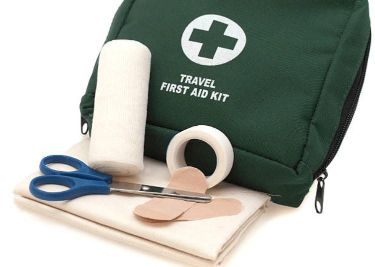 Những vật dụng y tế cần thiết: Vật dụng băng bó vết thương