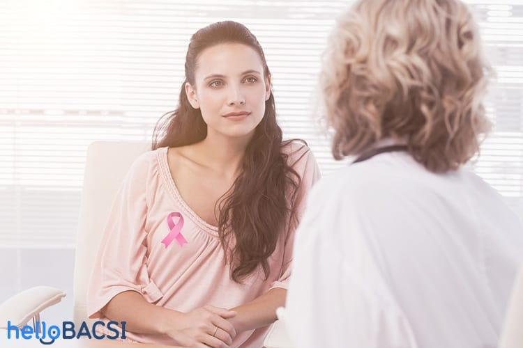 thảo luận với bác sĩ về bệnh ung thư vú có di truyền không