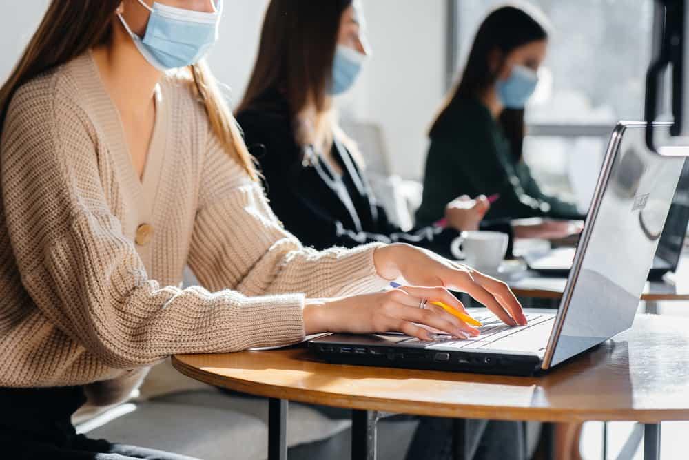 viêm phổi không điển hình và các yếu tố nguy cơ